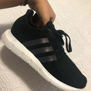 NWOT swift run Adidas